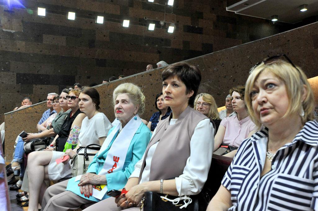 Председателем Ростовского областного отделения Союза журналистов России избрана Вера Южанская.