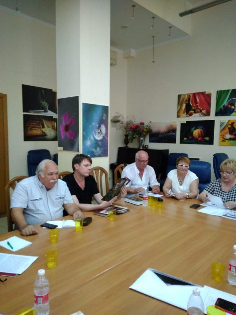 В Доме журналистов прошло заседание правления в новом составе.