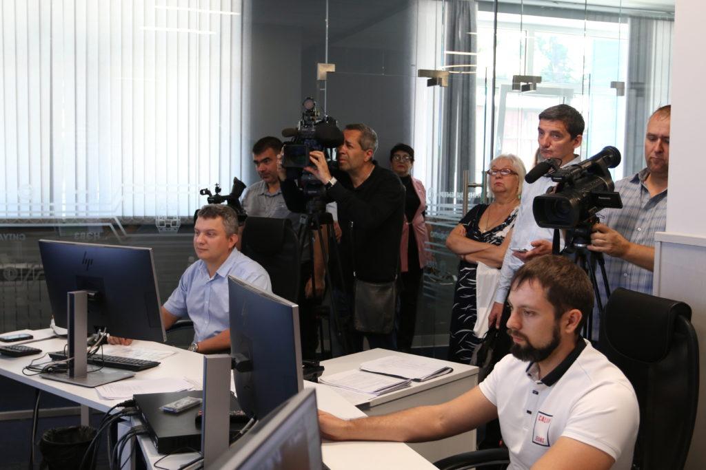 Журналисты знакомятся в НЭВЗом